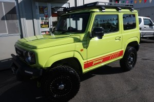 ジムニー XC 4WD 現行型 リフトアップフルカスタム車 5速ミッション車